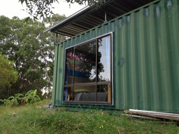 outside-the-system-shipping-container-home-1